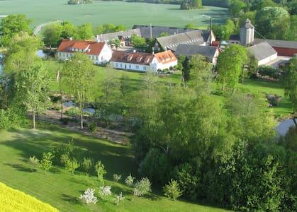 Hotelrooms at Sonnerupgaard Manor - Hvalso - Kasteel