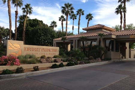 Golfing, Tennis, Pool, Spa, Gym  - Cathedral City