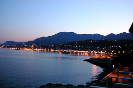 Panoramic view on the bay of Menton - Flat