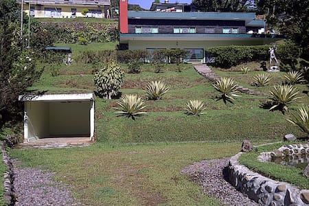 Harris Villas 3BR in Ciloto Puncak - Villa