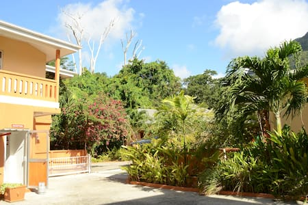 One Bedroom apartment - Beau Vallon - Apartment