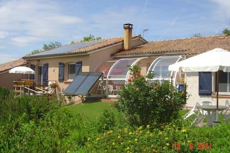 Chambres d'Hôtes - Saint-Pierre-de-Rivière - Bed & Breakfast