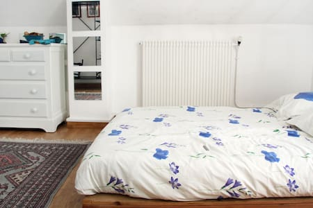 Top 20 marolles en brie accommodation holiday rentals - Piscine brie comte robert ...