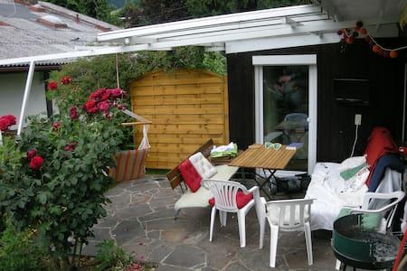 Comfy House with Garden - Maison
