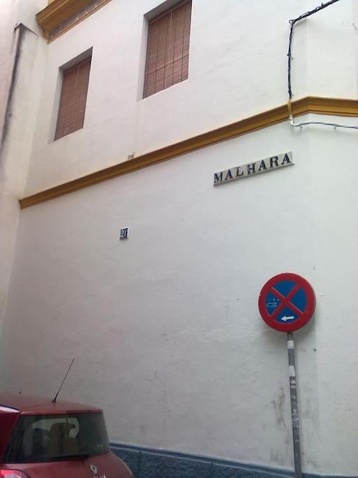 Portal de entrada y fachada