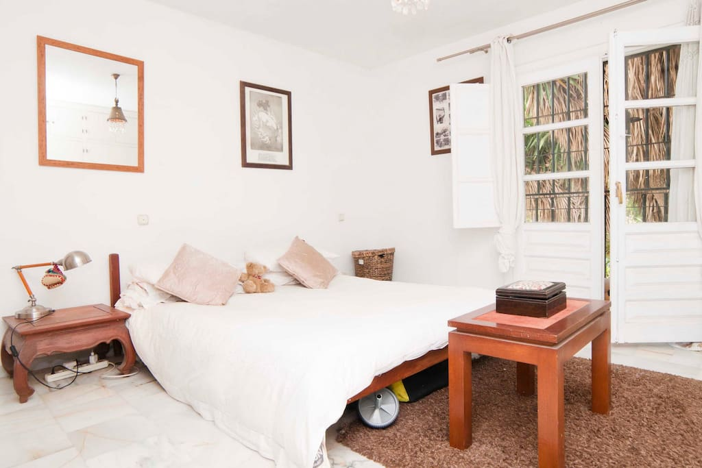 Bright airy room with en suite