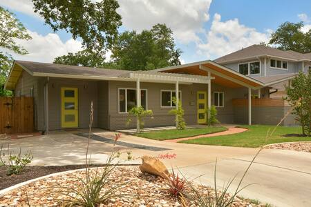 4BR/3BA Butterfly House with Pool
