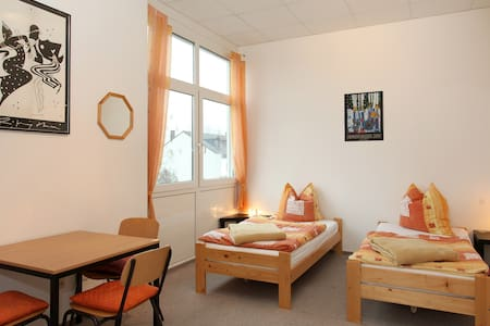 1) Accomodation suitable for two - Apartemen