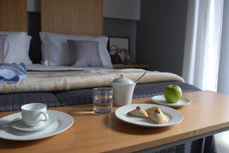 B&B DESIGN: room M.V.d.ROHE - Modica - Bed & Breakfast