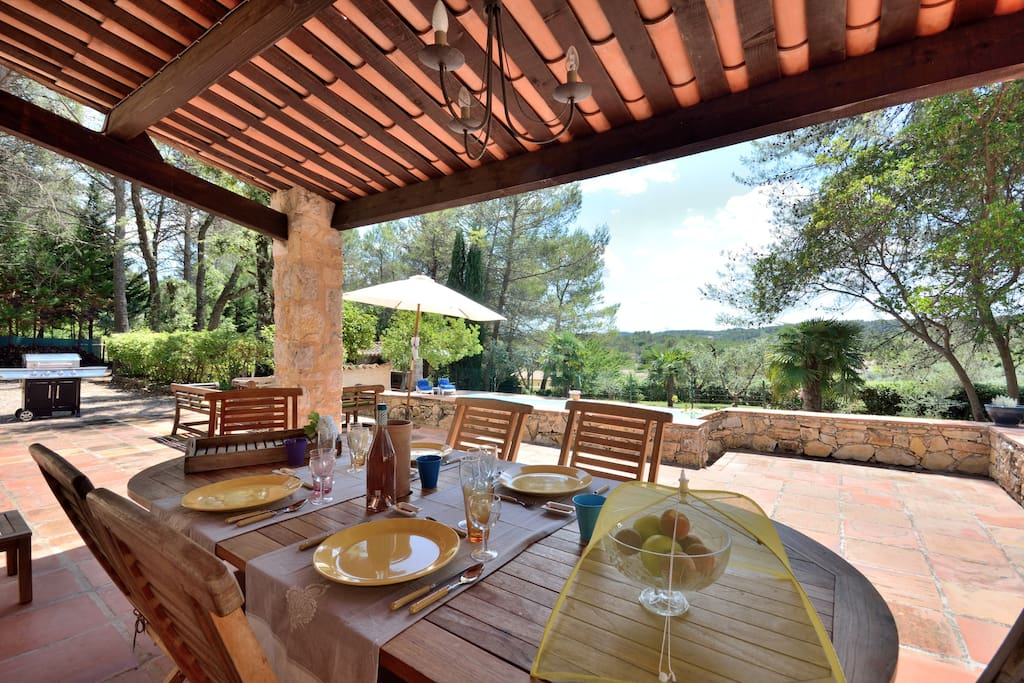 Beautiful covered terrace for al fresco dining