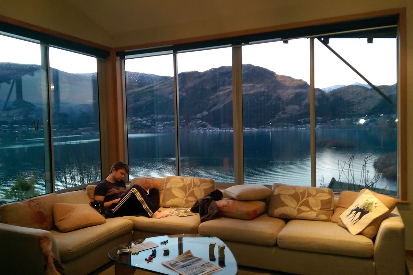 The perfect seat near the fire from which to enjoy the view of Lake Wakatipu and surrounding mountains.