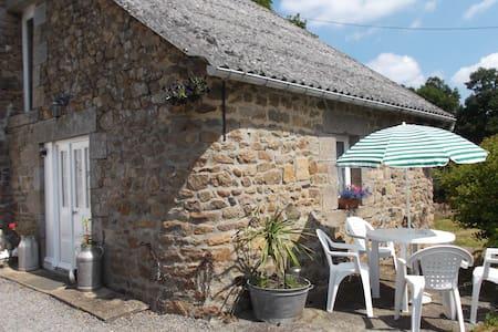 Rustic Cottage Nr Le Mont St Michel - House