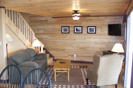Oceanside Villa at Pictou Lodge - Cabin