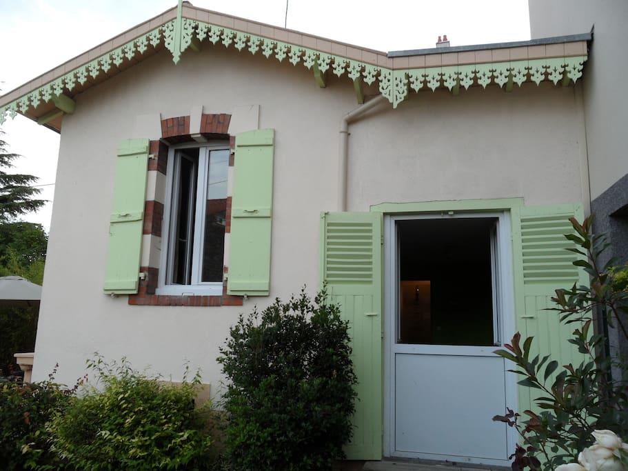 les fenêtres des deux chambres