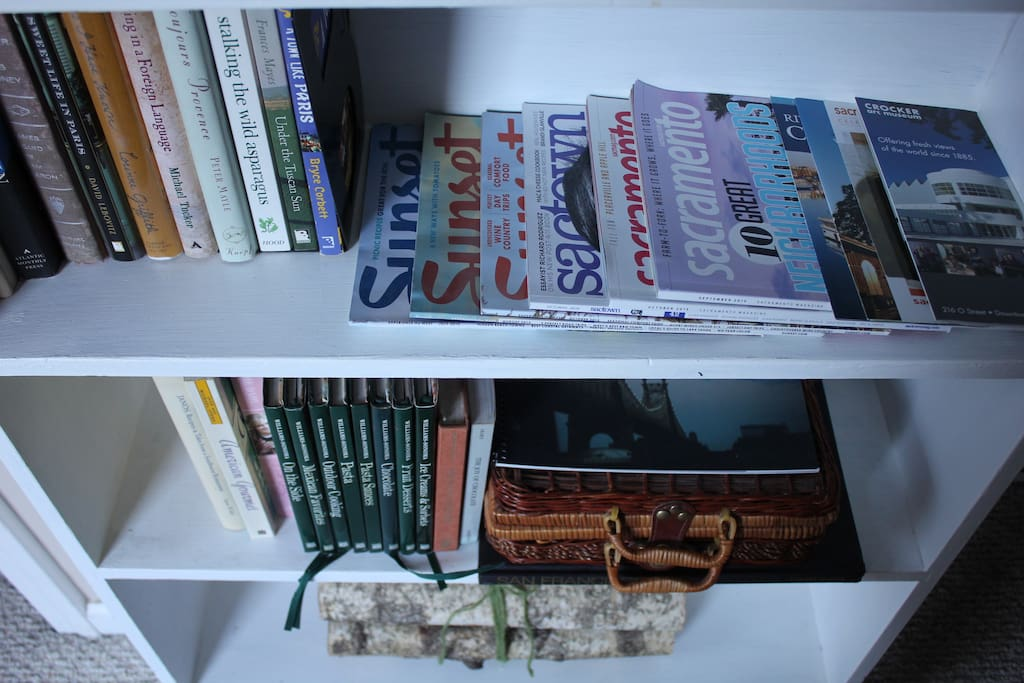The Cottage | A closer look at the kitchen/travel library.