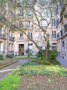 Maid's room in Paris