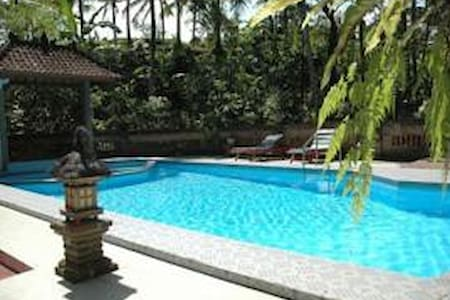 Puri Bebengan Bungalow Ubud 1 - Bed & Breakfast