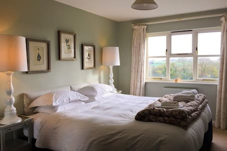 Hendra; a large luxurious cottage - North Tamerton