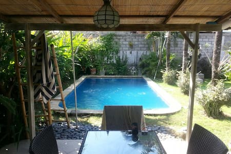 ECHO BEACH/BATU BOLONG BEACH HOUSE