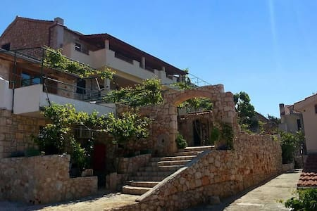One bedroom apartment with terrace and sea view Ivan Dolac, Hvar (A-8753-b) - Altro