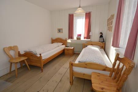 Zweibettzimmer - Bed & Breakfast