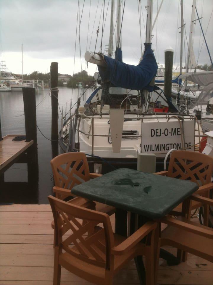 Beautiful big sailboat, on Lake Largo, Pilot House Marina, get set!