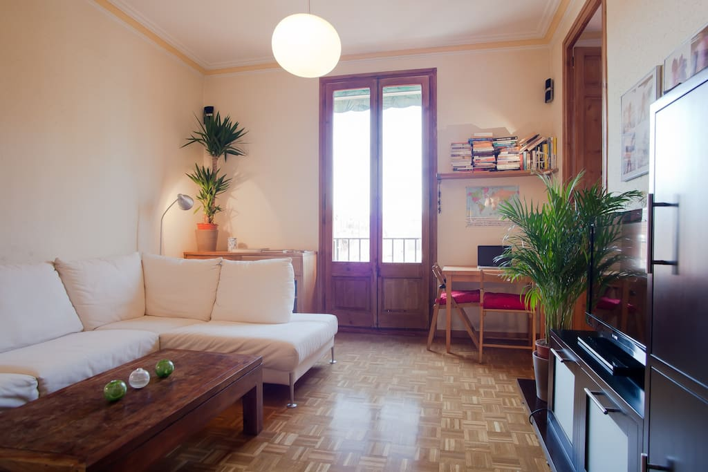 Small room in nice apt