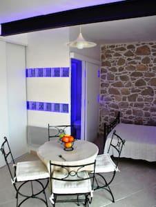 Studio à 15 mn de Nice - Gilette