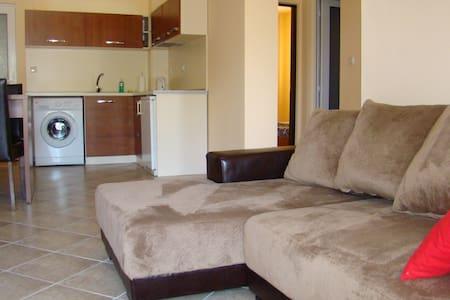 3-комнатная в Райском заливе  - Burgas