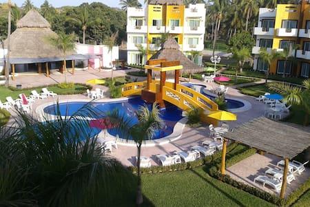 hotel villas cocomango - Huvila