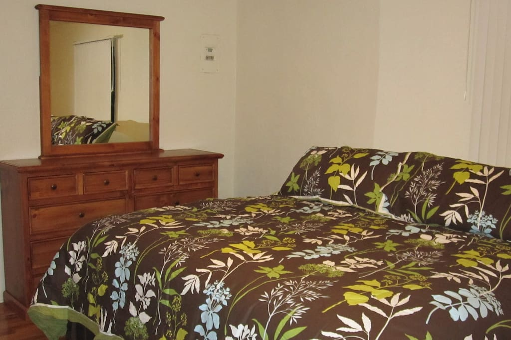 King bedroom, brand new mattresses, bedding and furniture