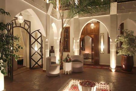 Riad Quara, The Medina's diamond - Overig