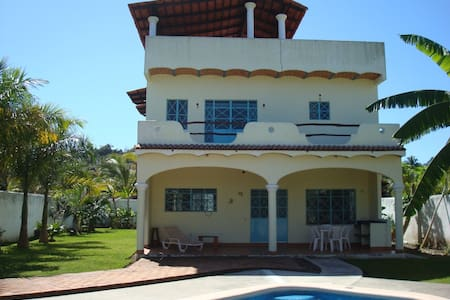 House w/pool, 2 blks to beach - Lo de Marcos - Casa