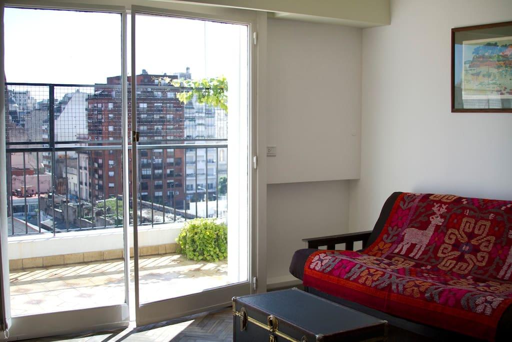 Sunny Terrace Apart in Center BA