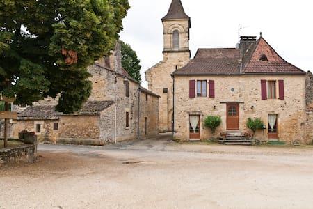 Stone House in Historic Dordogne - Hus