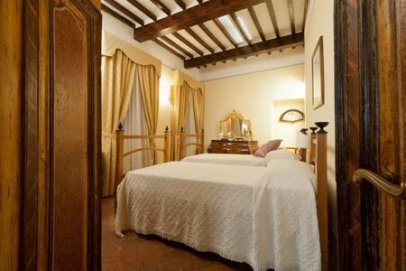 Appartamento centro storico Cortona