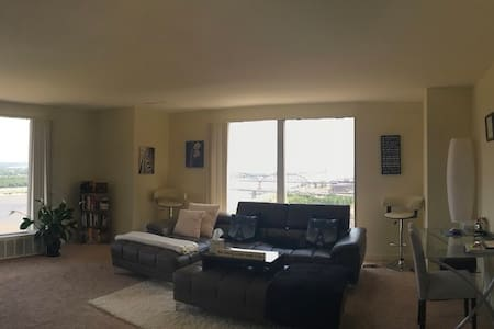 Penthouse Downtown St. Louis Best View in the City - St. Louis - Appartamento