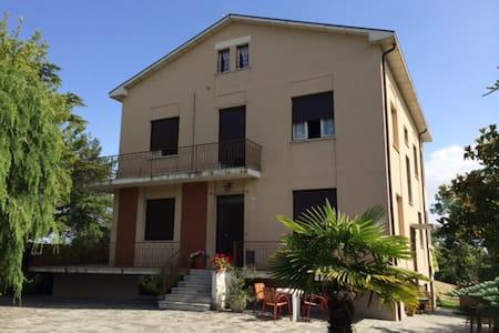 Mansarda con terrazza - House