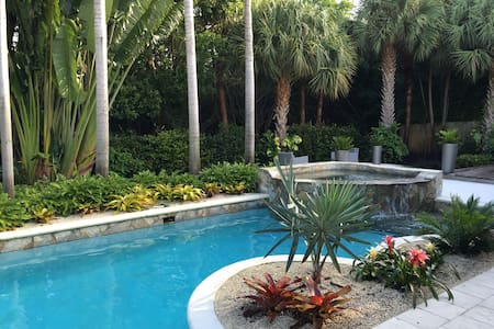 Private home w/pool.  Walk to beach & Atlantic Ave - Delray Beach