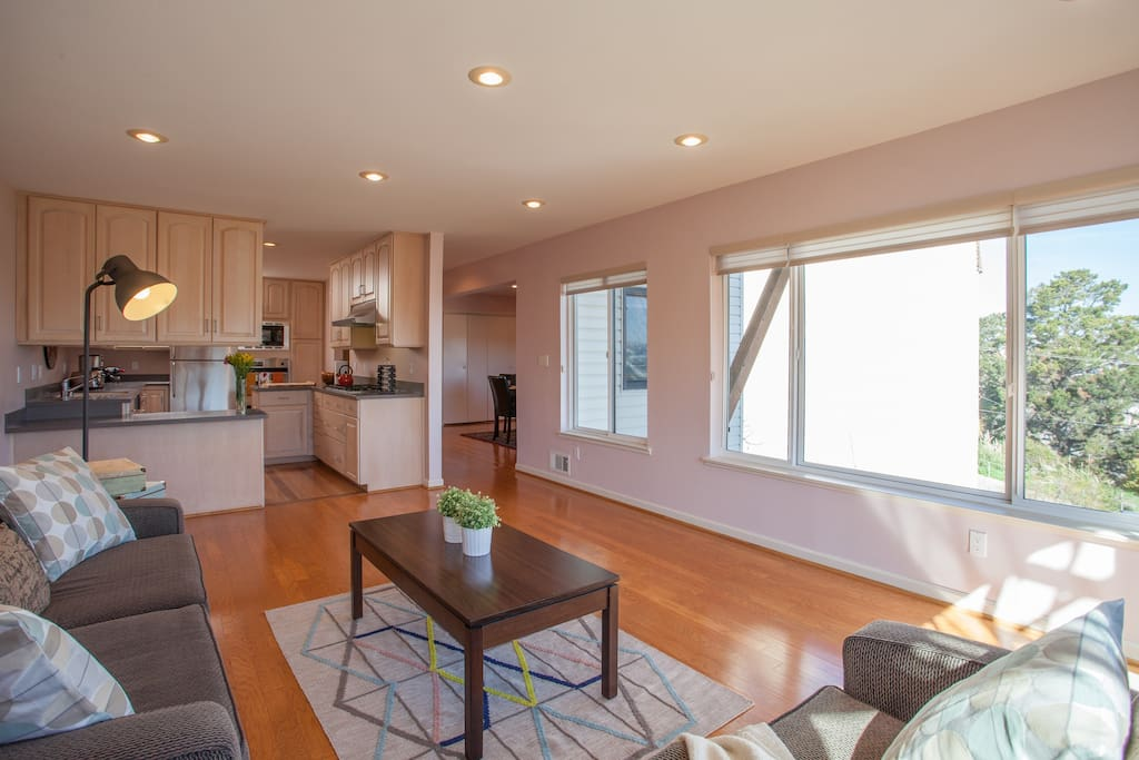 This recently remodeled flat is furnished with all the comforts of home!
