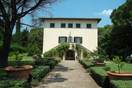 Villa toscana per famiglie numerose - Montecatini Val di Cecina