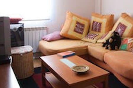 PISO  DOS HABITACIONES MUY ACOGEDOR - Apartamento