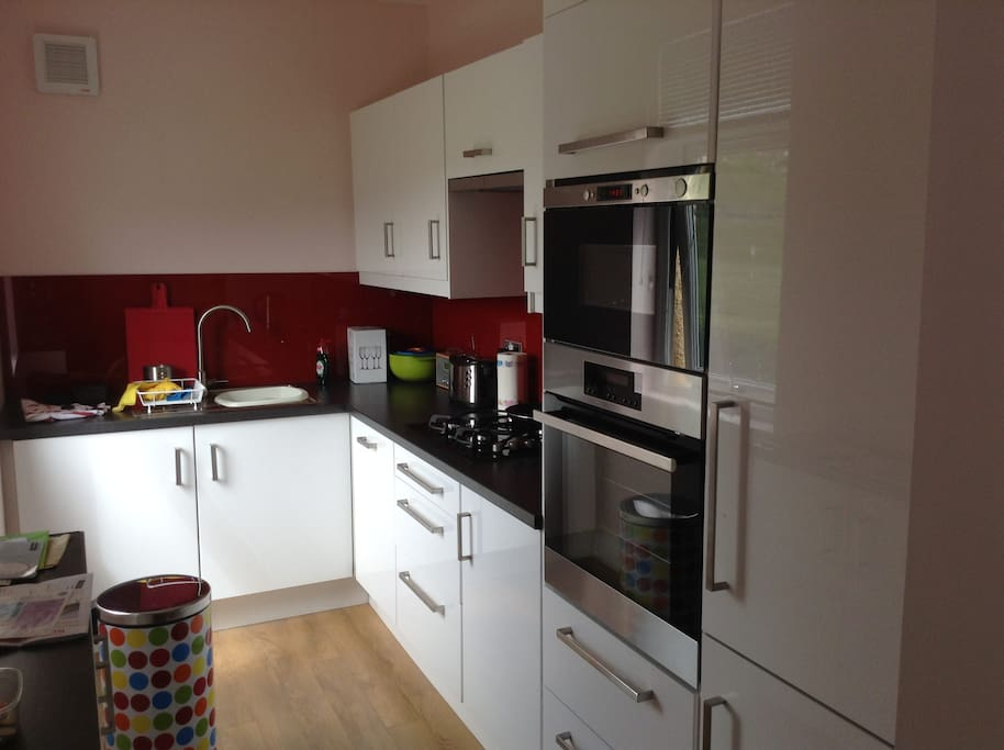 New kitchen, including fridge/freezer, oven/microwave, tumble dryer and dishwasher