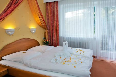 Champagne days*** - Feldberg (Schwarzwald) - Bed & Breakfast