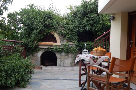 House in traditional village 3-5per - Anogia - Apartemen