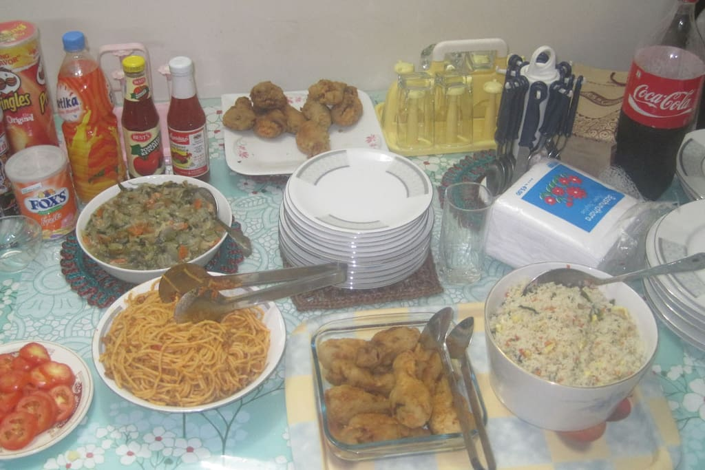 food supply from kitchen on occasion (pre-order besis)