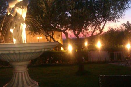 casale dell'ottocento ventodelsud - Chiaramonte Gulfi - Bed & Breakfast