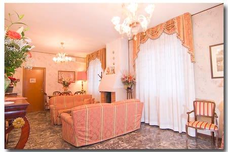 Villa Sereny B&B  - Trezzano Sul Naviglio