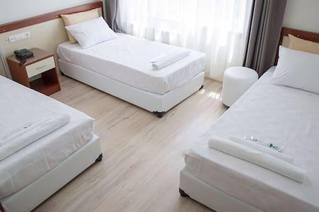Triple room @ Yildirim Hotel - Denizli