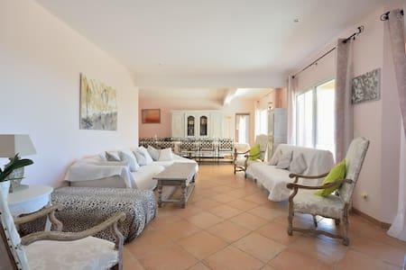 Villa  240 m2 -15 pers. TB VUE MER - Huis